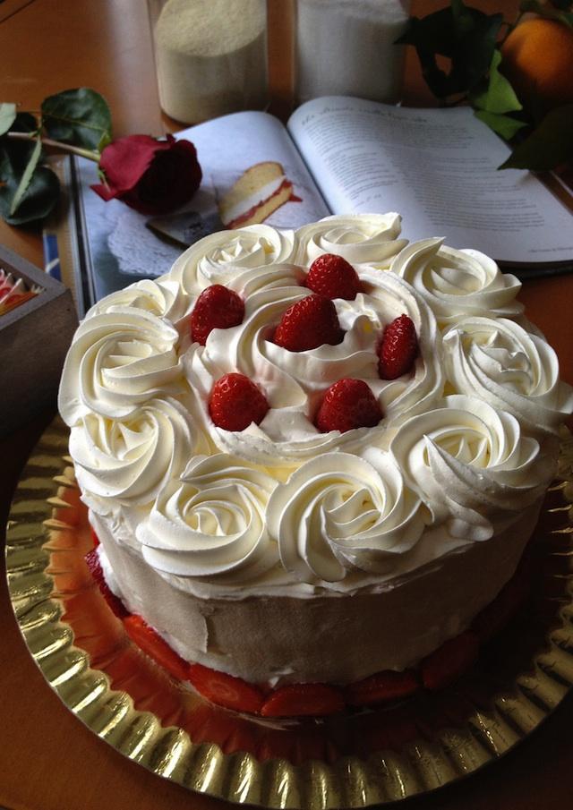 Tarta de vainilla  (The ultimate vanilla layer cake)
