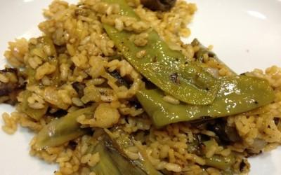 Arroz en paella con verduras
