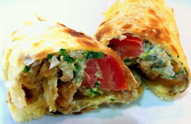 Rollitos Kathi de pollo. Los burritos de la India