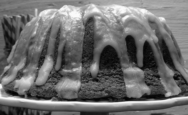 Bundt cake de limón con semillas de amapola 3