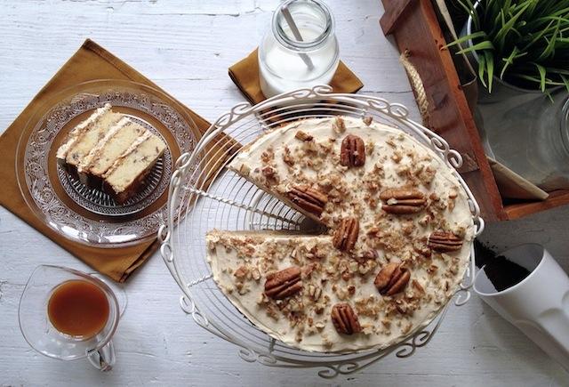 Pastel de nueces pecanas y caramelo