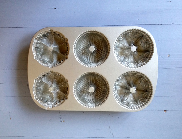 C119 MINI BUNDT CAKES LOLETA 1