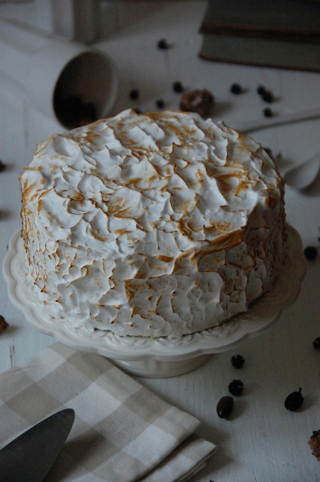 CAKE BANANA CAKE AND MERINGUE LOLETA 2