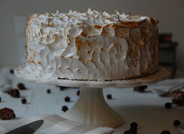 Tarta bizcocho de plátano vainilla y merengue