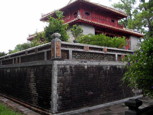Vietnam Tumba Tu Duc Loleta 04