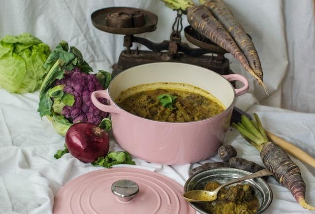 Curry vegetariano. Mung beans al estilo hindú