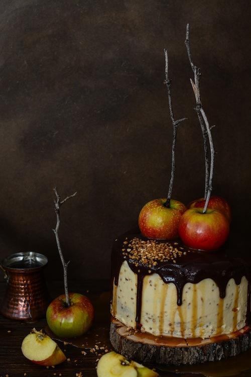 Tarta de de chocolate y manzanas con salsa de caramelo 12 (1 de 1)