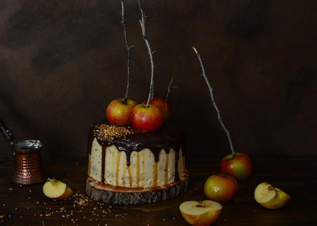 Tarta de de chocolate y manzanas con salsa de caramelo 14 (1 de 1)