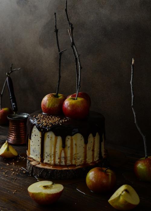 Tarta de de chocolate y manzanas con salsa de caramelo 20 (1 de 1)