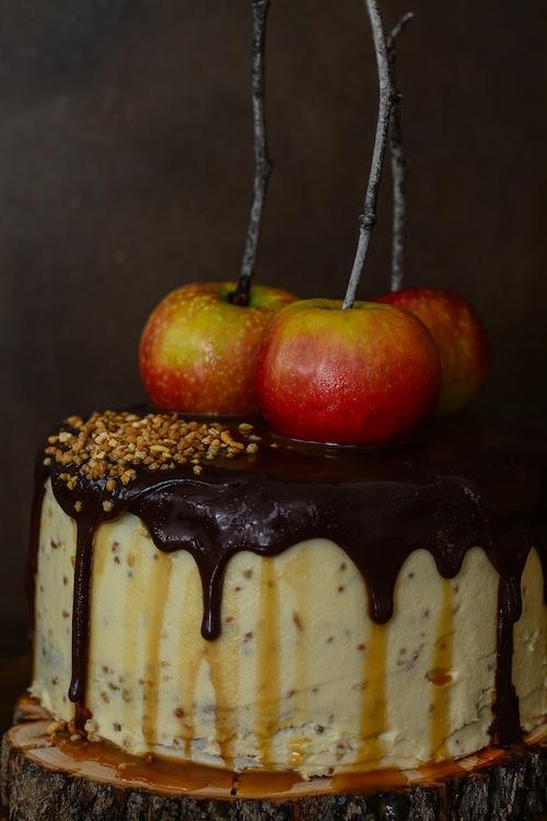 Tarta de de chocolate y manzanas con salsa de caramelo 7 (1 de 1)
