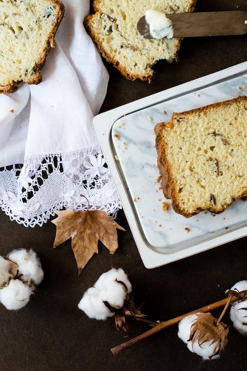 Salty gorgonzola cheese cake