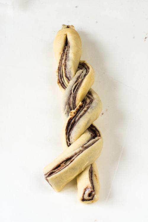 Corona de brioche de chocolate. Delicioso desayuno