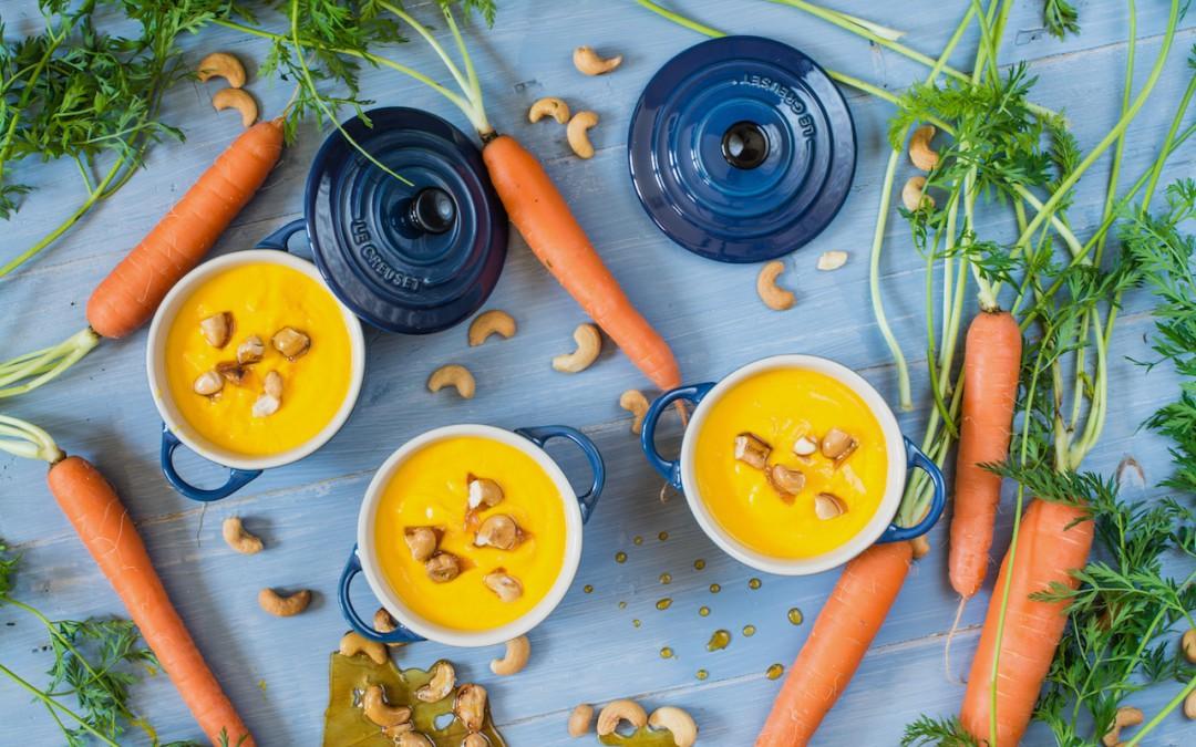 Crema de zanahorias y jengibre. Con anacardos crujientes