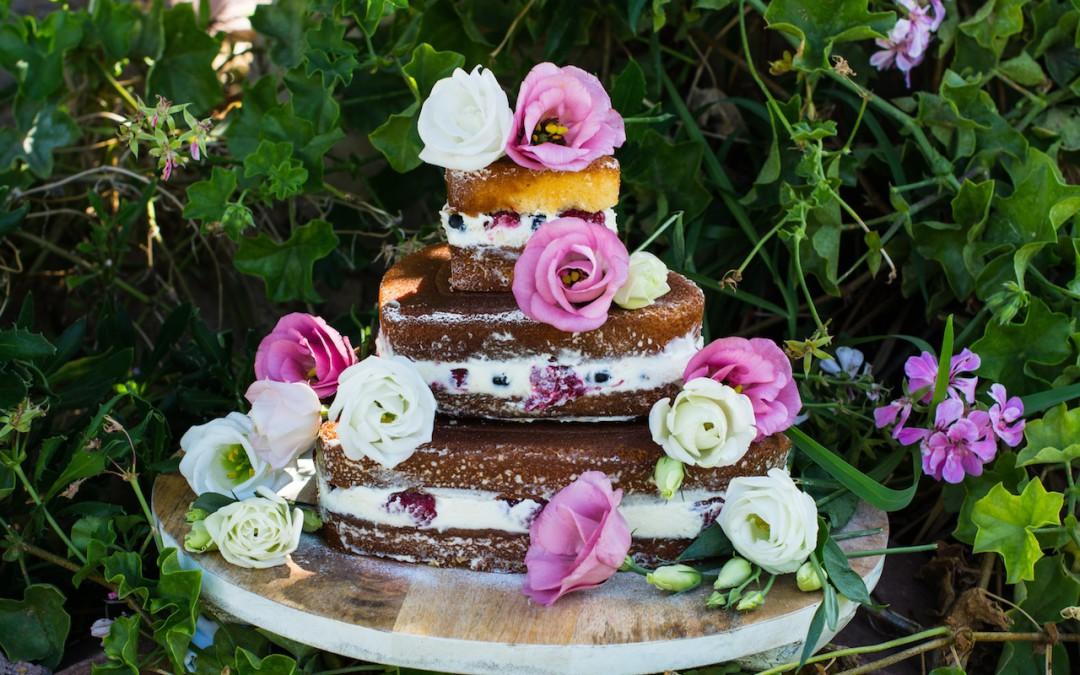 Tarta de chocolate blanco y frutos rojos. Tu sueño de tarta hecho realidad