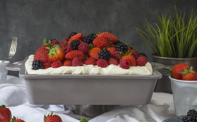 Pastel de cardamomo, frutos rojos y crema de mascarpone 4