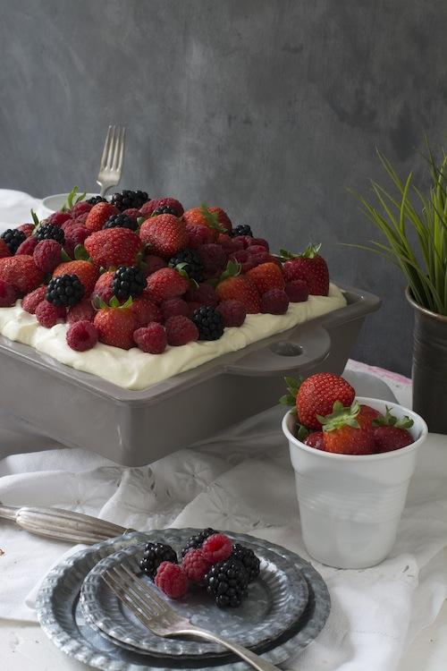 Pastel de cardamomo, frutos rojos y crema de mascarpone 5