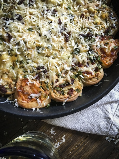 Pizza rolled with bacon, cheese, garlic and parsley. Pizza rolls 19