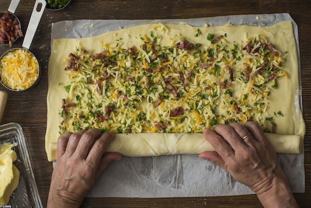 Pizza rolled with bacon, cheese, garlic and parsley. Pizza rolls 5