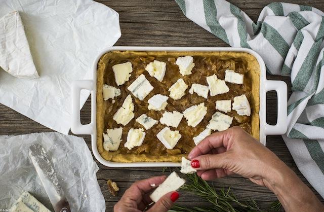 Tarta salada de higos con queso y cebolla caramelizada 3
