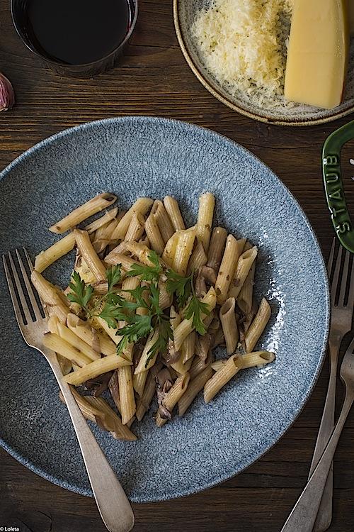 macarrones-con-champinones-y-cebollas-caramelizadas-3