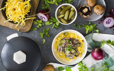 Veal with pasta Stroganoff (or Stroganov)
