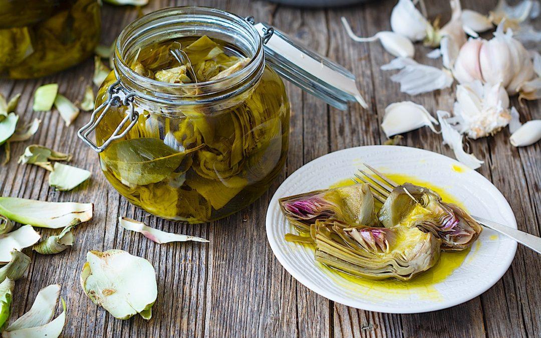 Alcachofas con laurel en aceite de oliva. Conservas para todo el año