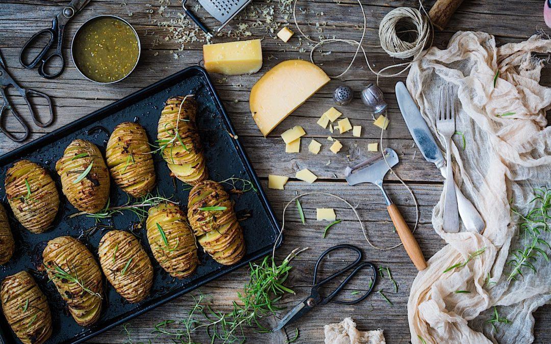 Las patatas Hasselback con mantequilla de ajos más sencillas