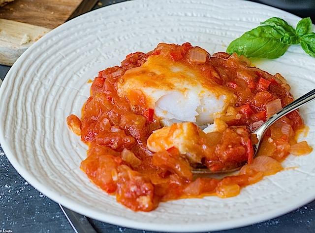Bacalao con tomate receta r pida y sencilla de preparar - Bacalao fresco con tomate ...