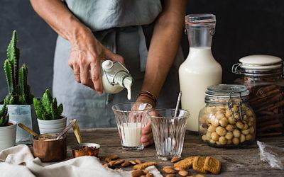 Cómo hacer leche de almendras casera súper fácil. Cuatro recetas en una