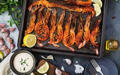 Receta exprés de gambones asados con pimentón y chile y el mejor alioli casero
