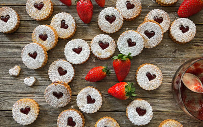 Galletas Linzer rellenas de mermelada casera de fresas