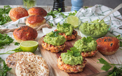 Salmon with avocado sauce Burger