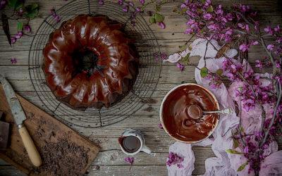 Bizcocho vegano de chocolate con aguacate sin lactosa