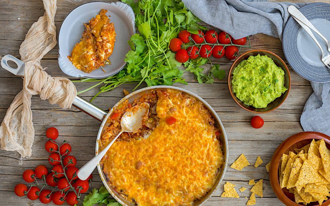 Arroz a la mexicana con carne y queso. Enchiladas de arroz