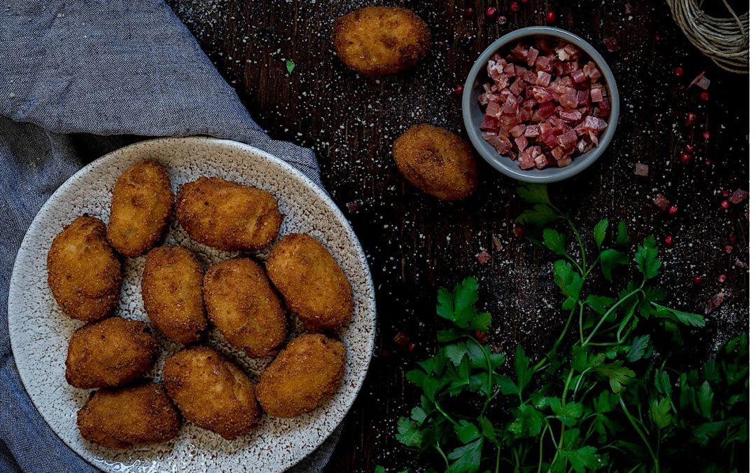 Croquetas de pollo y jamón. Receta paso a paso y sencilla