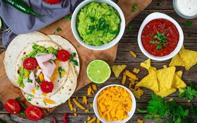 Light burritos of turkey breast and guacamole