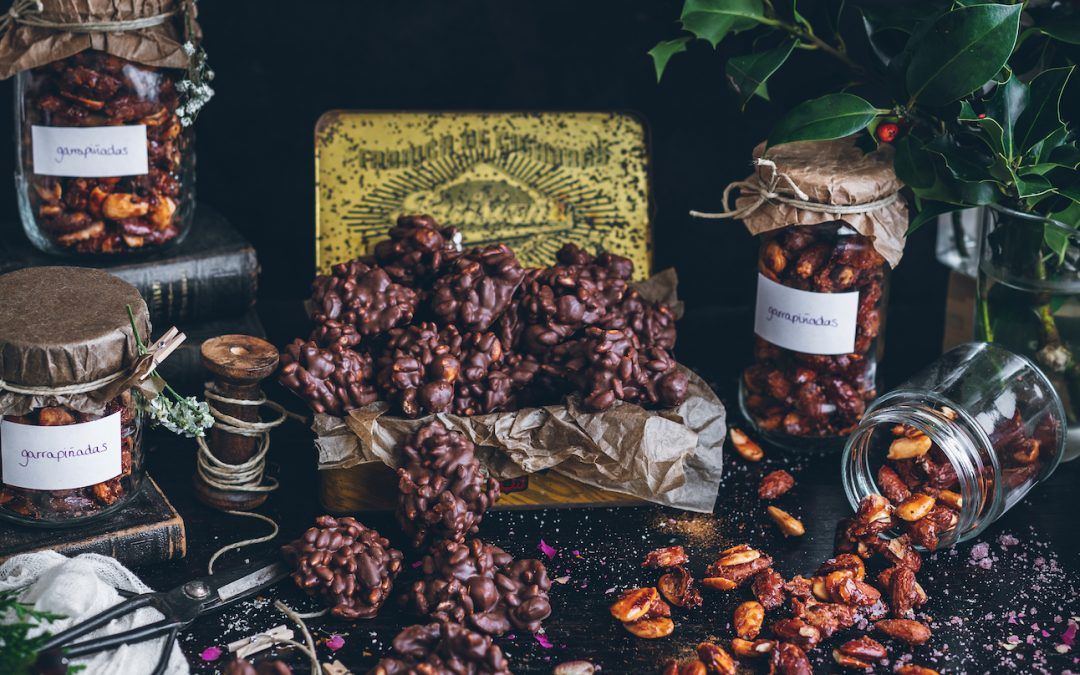 Claws and rocks of nougat and chocolate. The pleasure of giving away the homemade with love I