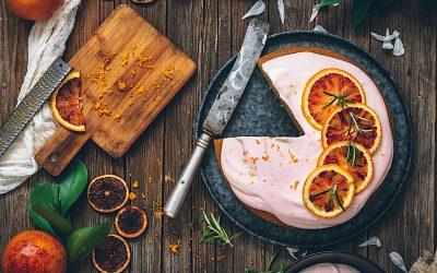 Bizcocho de naranja sin horno y sin levadura con crema de mascarpone