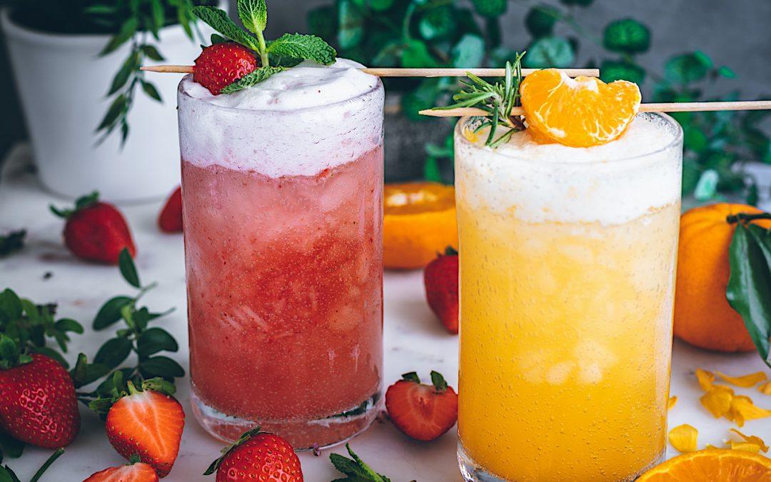 Gin fizz de mandarina y gin fizz de fresas. Fanta de naranja natural