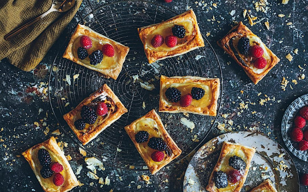 Lemon and cheese jam puff pastry with berries