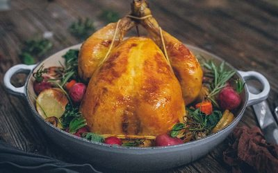 Roast chicken with apples. The tastiest chicken you